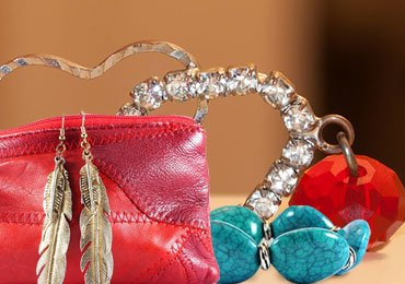 Plus Size Fashion Tips : Must Have Accessories for Plus Size Women