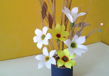 Best out of waste craft ideas how to make a bunch of flowers - Best out of waste with straws ...