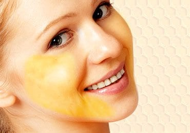 DIY Honey Face Masks to Bring a Glow on Your Face!