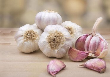 10 Garlic Health Benefits : The World's Healthiest Herb
