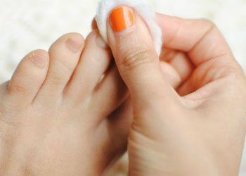 To-do-pedicuer-start-with-your-toenails