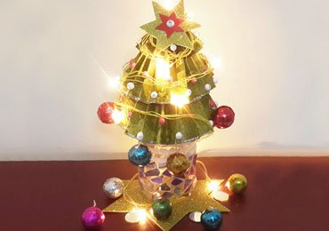 Kids Craft Ideas : How to Make a Christmas Tree for Festive Season?