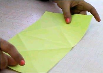 Diy origami frog craft