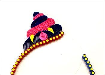Wall-decoration-qith-quilling-pattern