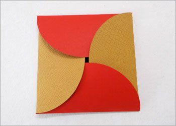Envelope-from-circle-gift-idea
