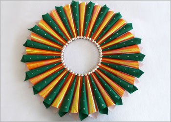 Paper-wreath-diy-decor-craft