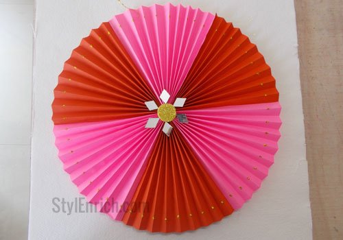 Easy DIY Paper Rosette : Christmas Craft Ideas
