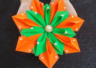 Learn Beautiful Origami Flower to Decorate Your Home!