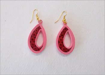 Easy-diy-paper-quilled-earrings