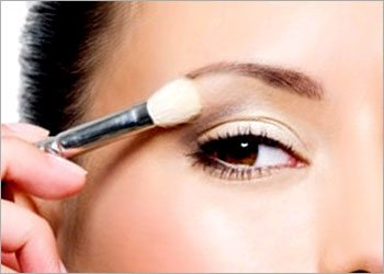 Makeup-guide-for-brown-eyes