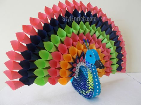 DIY Project Ideas : Multicoloured Paper Peacock For Home Decor!