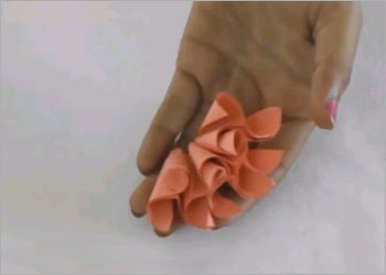 Paper-flower-using-origami-art