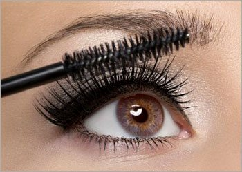 Apply-mascara-perfectly