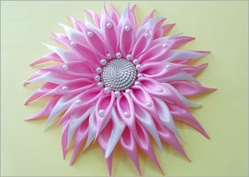 Diy-kanzashi-dahlia-flower-with-beads
