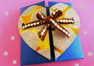 DIY Gifts : How To Make a Pretty Handmade Chocolate Gift Box!