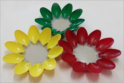 Decoration-from-plastic-spoons