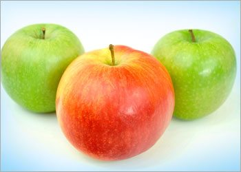 Apple-home-remedies-for-white-teeth
