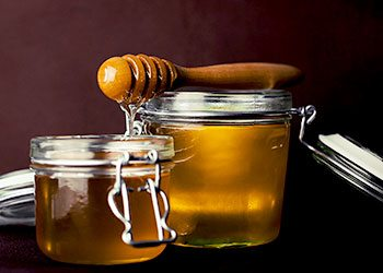Honey-skin-tightening-home-remedies