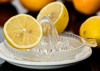 Lemon-juice-remedies-to-get-rid-of-pimples