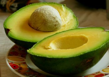 Avocado-dry-hair-remedies