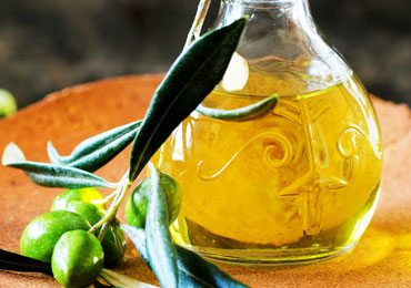 Amazing Benefits of Olive Oil for Beautiful Skin and Face!