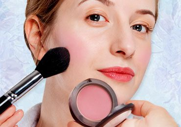 How to Apply Blush to Make Your Face Look Radiant!