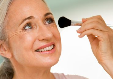 Getting Old and Worried About Makeup? Check Out These Makeup For Older Women!