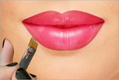 Outline the outside of the lips with a concealer after applying lipstick