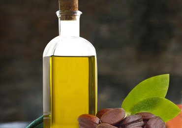 Amazing Jojoba Oil Uses – A One Stop Solution for Hair and Skin Problems!