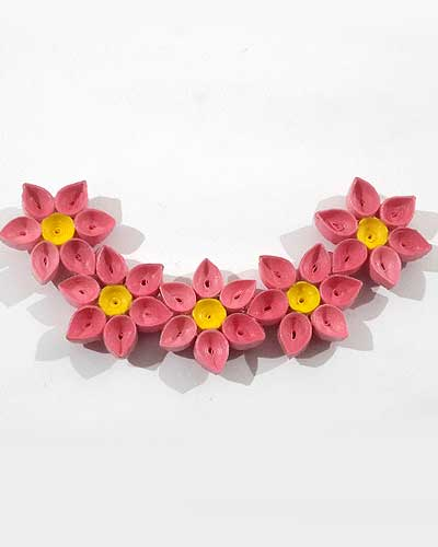 Quilled Paper Necklace DIY