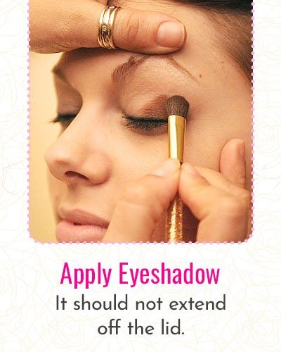 How To Apply Eyeshadow?