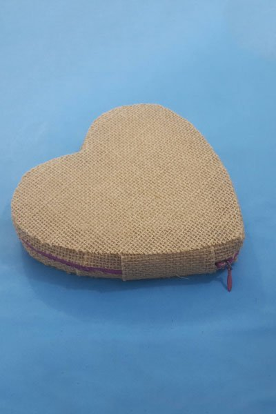 Make DIY Heart Shaped Jute Purse