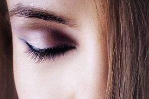 How to Grow Eyelashes Naturally?